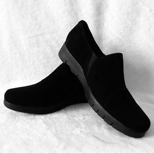 Clark's black Daelyn Monarch slip on loafers